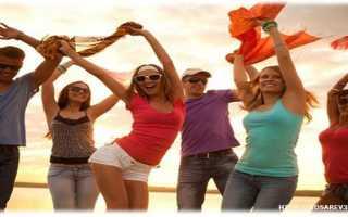 Как девушке стать душой компании друзей и подруг