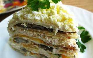 Блинный торт с грибами и курицей