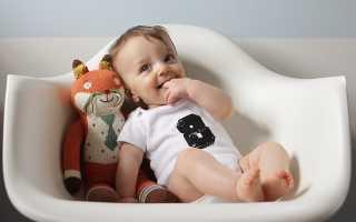 Ребенок 8 месяцев: развитие, достижения