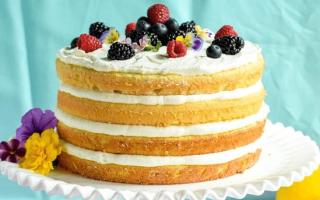 Бисквитный торт со сметанным кремом: праздник для гурманов