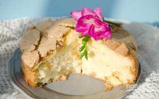 """Пирог с яблоками """"Шарлотка"""" – рецепт приготовления"""