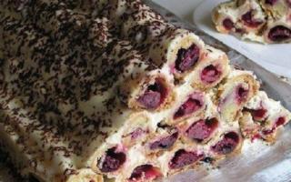 """Торт """"Вишневая горка"""": рецепт приготовления"""