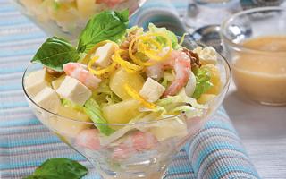 Салат с креветками и ананасом: едим с пользой для здоровья и фигуры